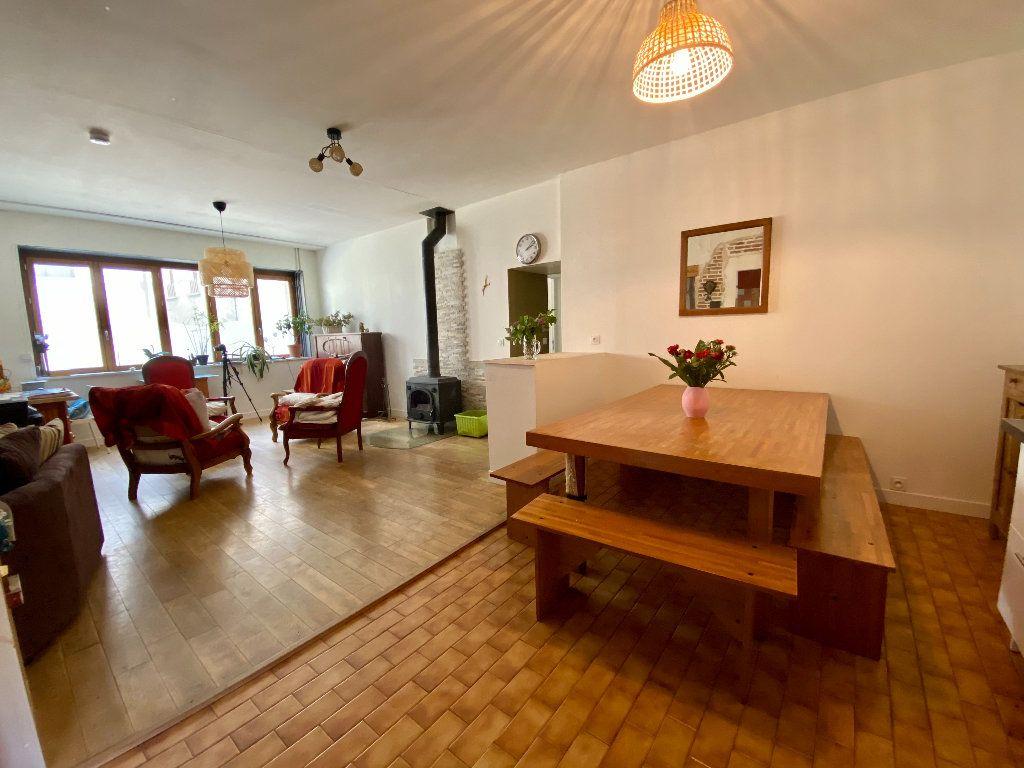 Maison à vendre 5 158m2 à Saint-Étienne-de-Saint-Geoirs vignette-4