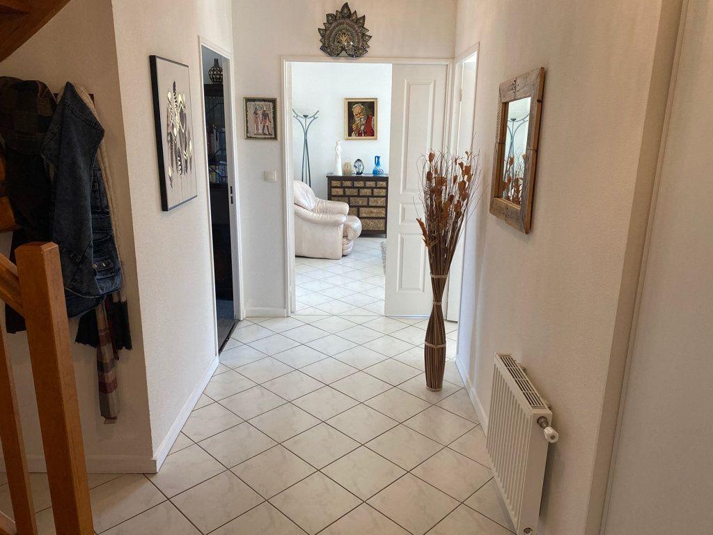 Appartement à vendre 5 103m2 à Saint-Étienne-de-Saint-Geoirs vignette-2