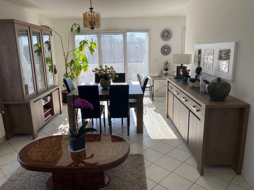 Appartement à vendre 5 103m2 à Saint-Étienne-de-Saint-Geoirs vignette-3