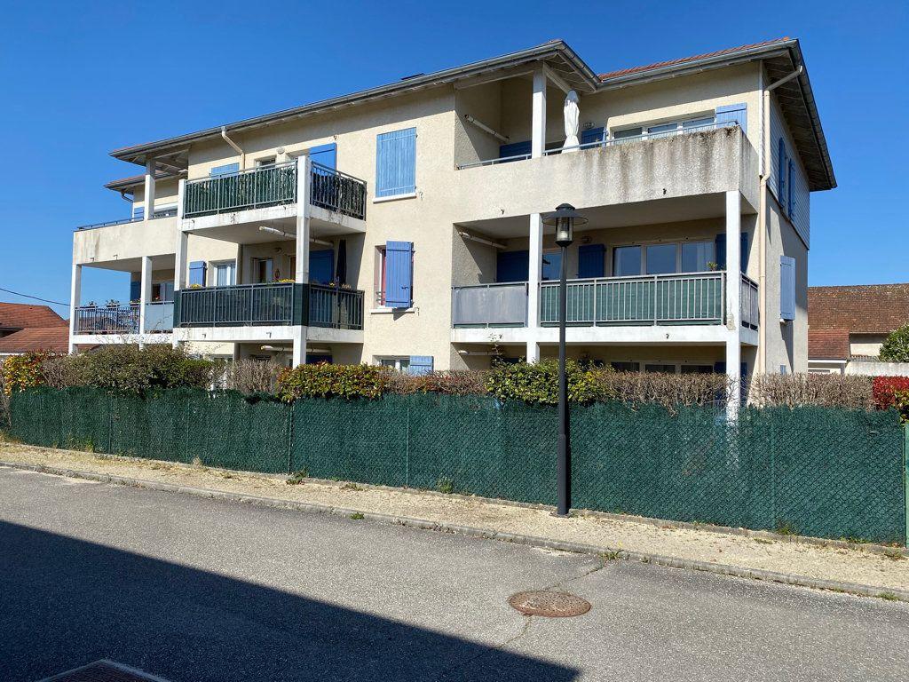 Appartement à vendre 5 103m2 à Saint-Étienne-de-Saint-Geoirs vignette-9