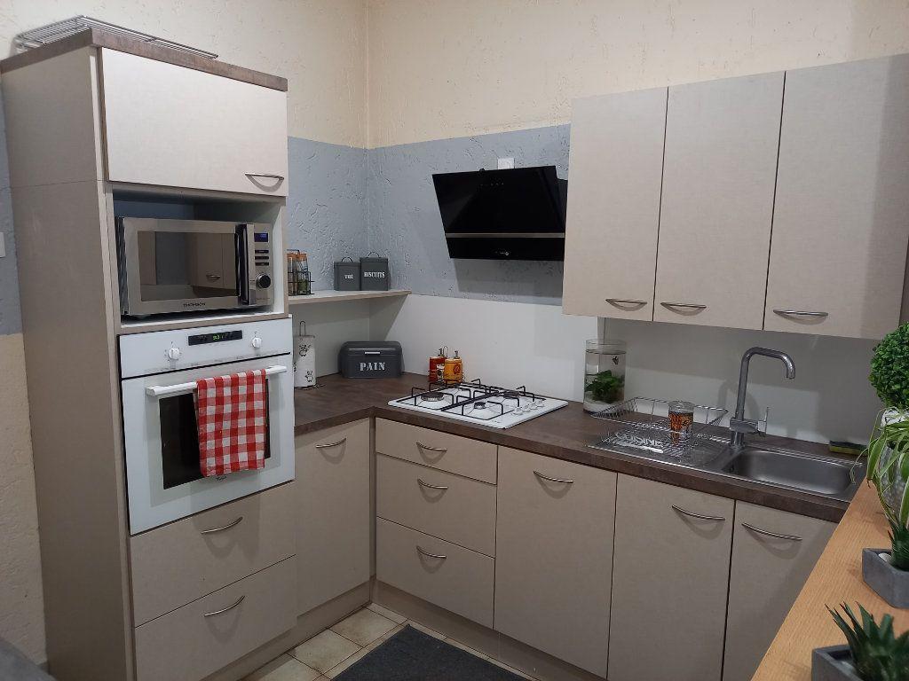 Appartement à vendre 3 65.5m2 à Saint-Étienne-de-Saint-Geoirs vignette-3