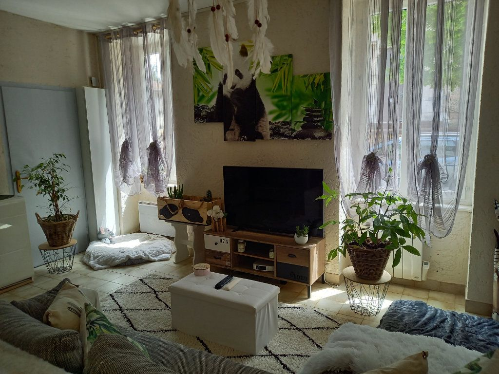 Appartement à vendre 3 65.5m2 à Saint-Étienne-de-Saint-Geoirs vignette-5