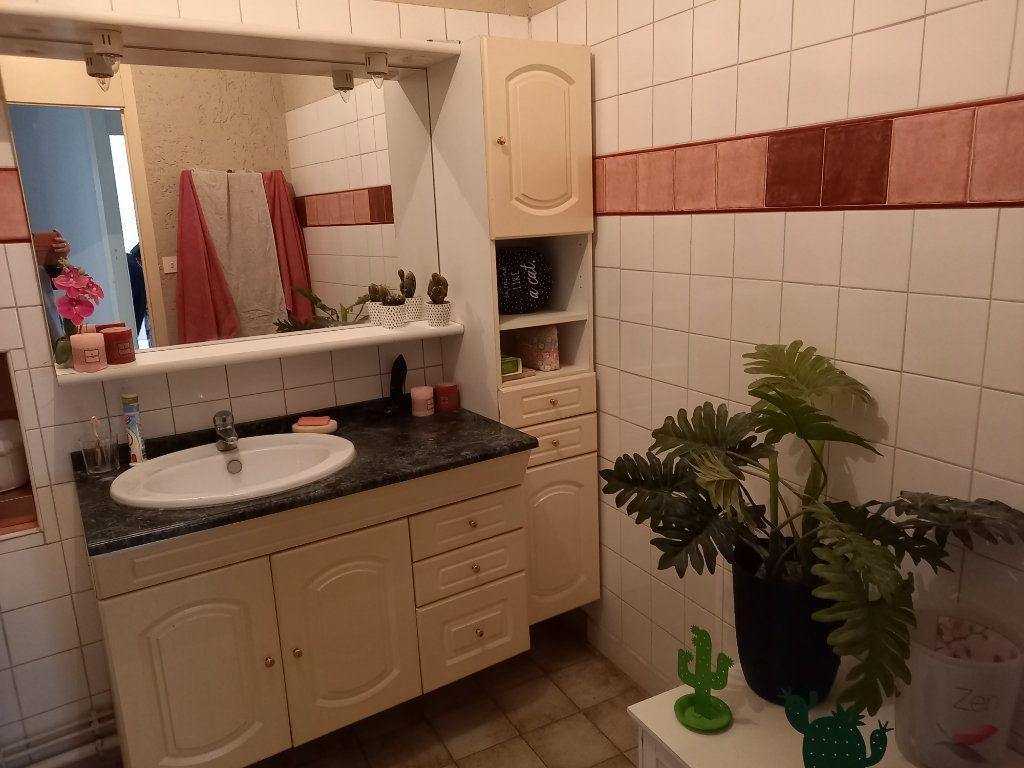 Appartement à vendre 3 65.5m2 à Saint-Étienne-de-Saint-Geoirs vignette-8