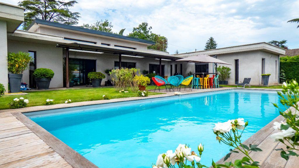 Maison à vendre 8 200m2 à Romans-sur-Isère vignette-1