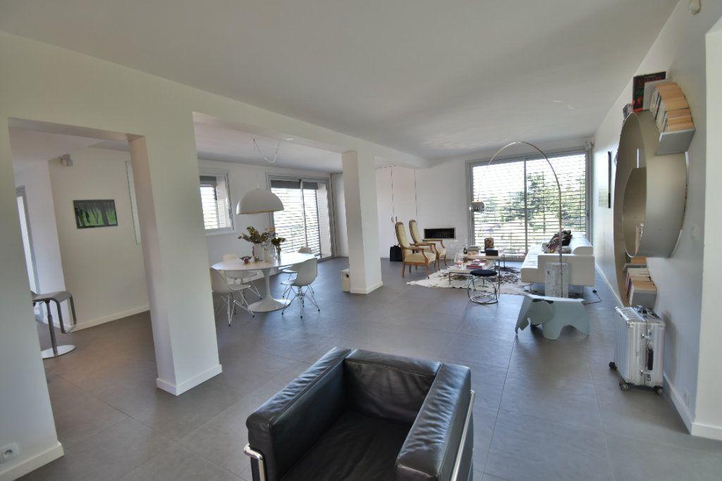 Maison à vendre 6 210m2 à Romans-sur-Isère vignette-2