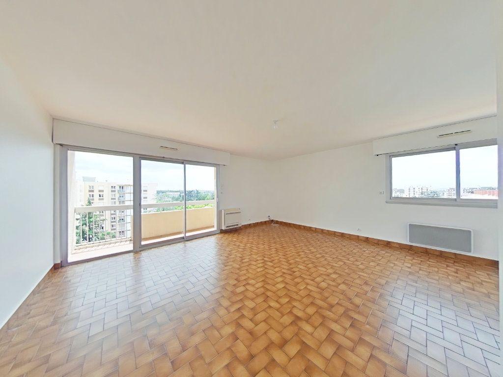 Appartement à louer 5 109m2 à Romans-sur-Isère vignette-2