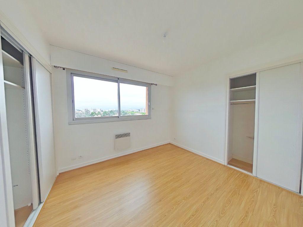 Appartement à louer 5 109m2 à Romans-sur-Isère vignette-7