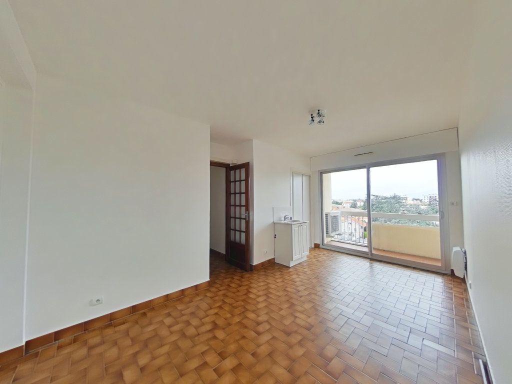 Appartement à louer 5 109m2 à Romans-sur-Isère vignette-8