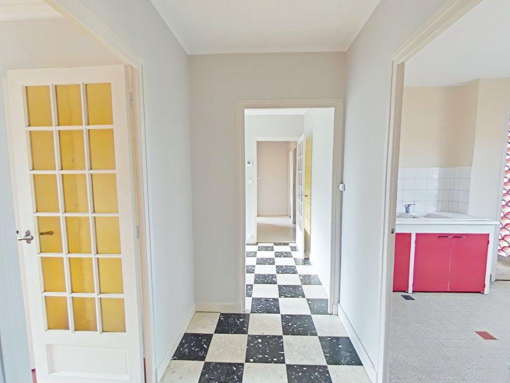 Appartement à louer 4 69m2 à Romans-sur-Isère vignette-2