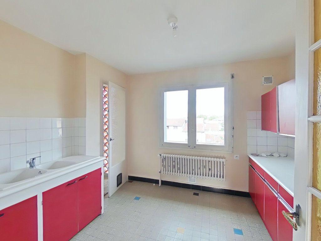Appartement à louer 4 69m2 à Romans-sur-Isère vignette-3