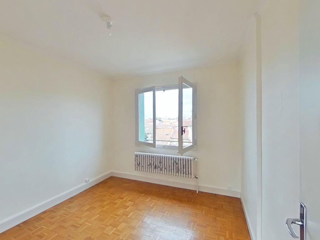 Appartement à louer 4 69m2 à Romans-sur-Isère vignette-6