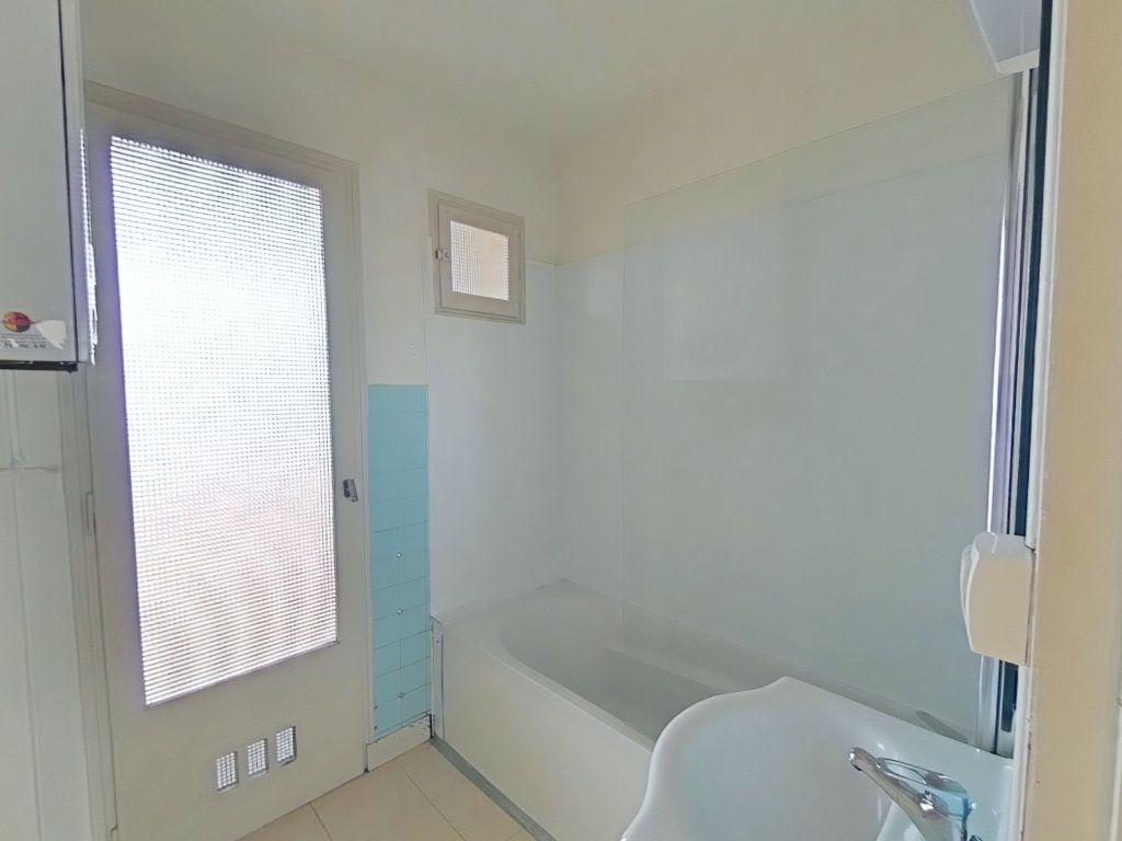 Appartement à louer 4 69m2 à Romans-sur-Isère vignette-7