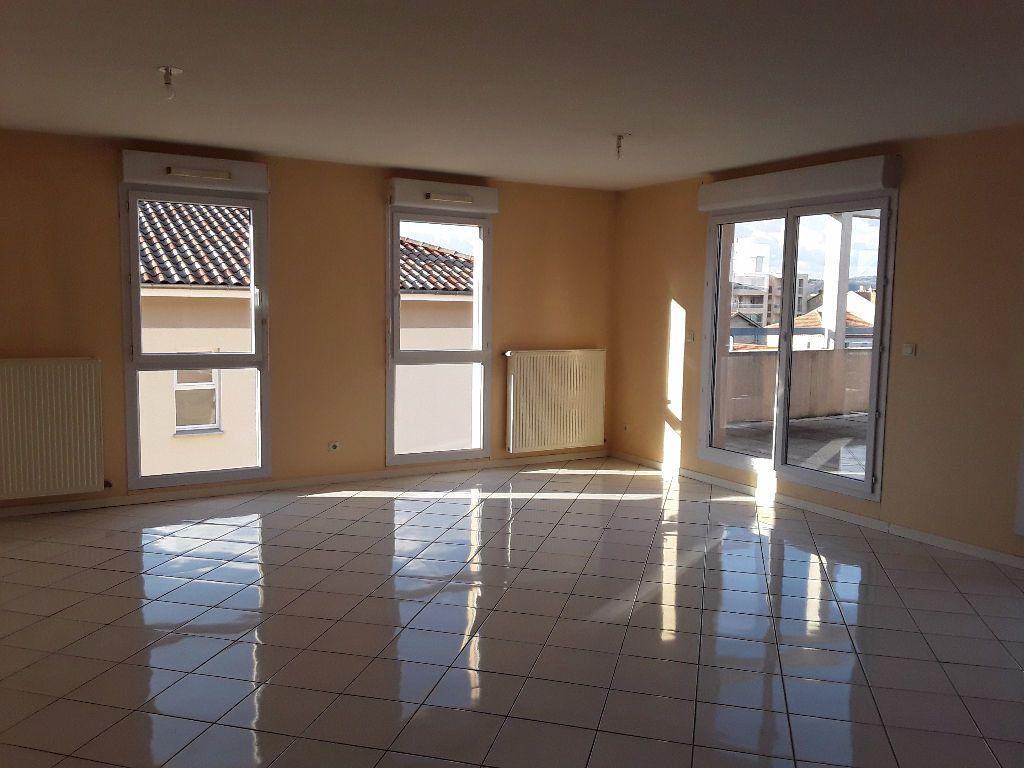 Appartement à vendre 4 93m2 à Romans-sur-Isère vignette-3