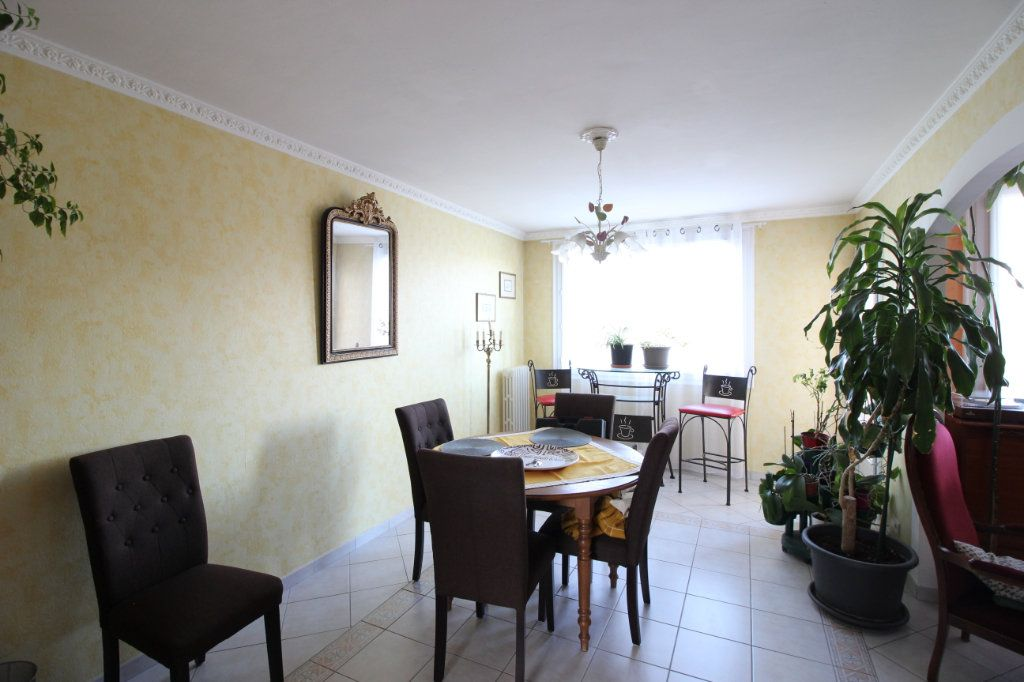 Appartement à vendre 3 71m2 à Montélimar vignette-2