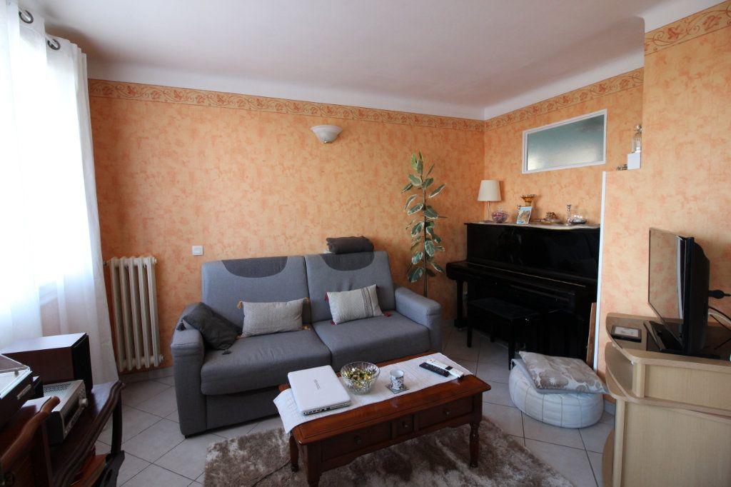 Appartement à vendre 3 71m2 à Montélimar vignette-3