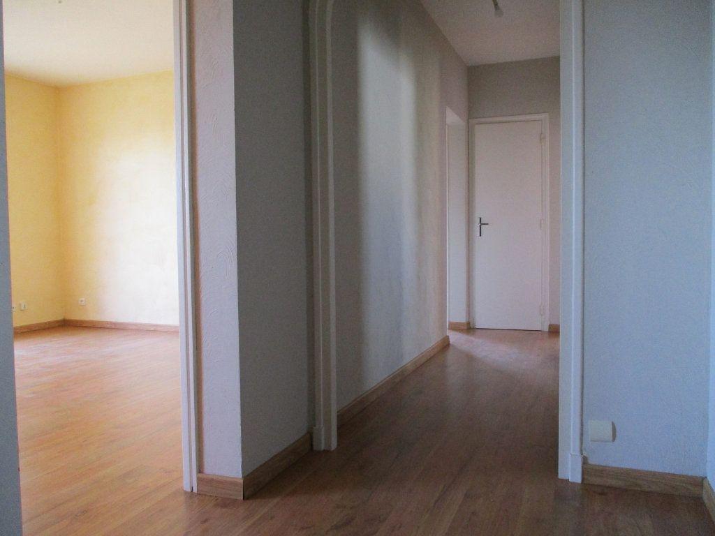 Appartement à vendre 3 75m2 à Montélimar vignette-4