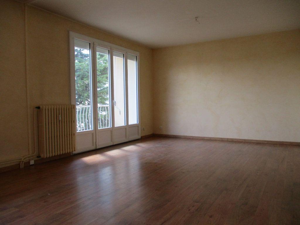 Appartement à vendre 3 75m2 à Montélimar vignette-5