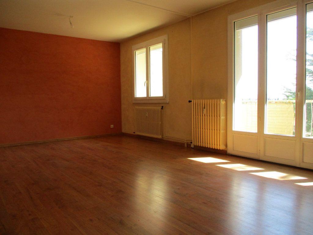 Appartement à vendre 3 75m2 à Montélimar vignette-6