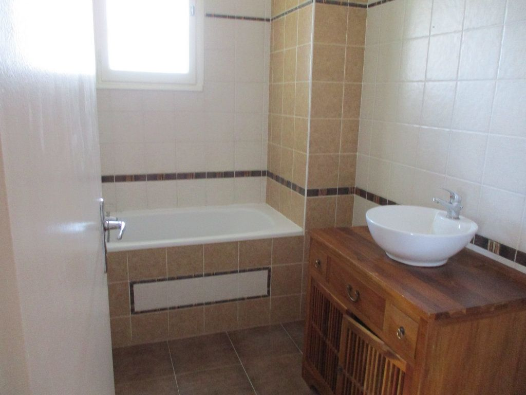 Appartement à vendre 3 75m2 à Montélimar vignette-9