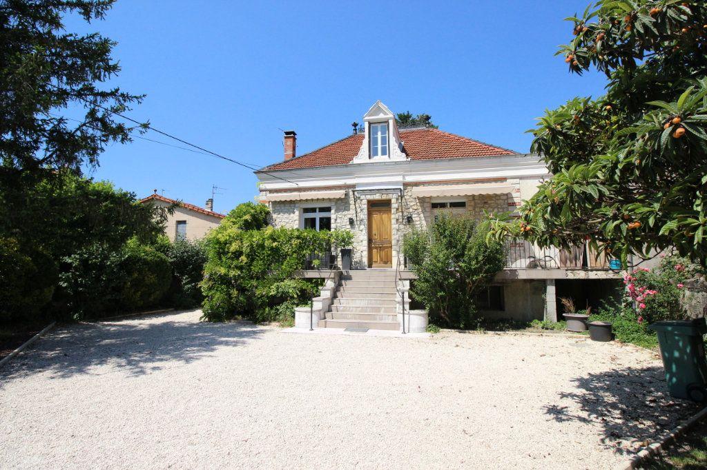 Maison à vendre 5 130m2 à Montélimar vignette-1