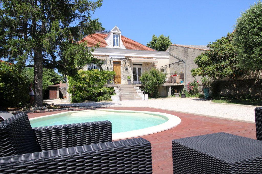 Maison à vendre 5 130m2 à Montélimar vignette-3