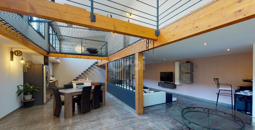 Maison à vendre 5 215m2 à Montélimar vignette-1