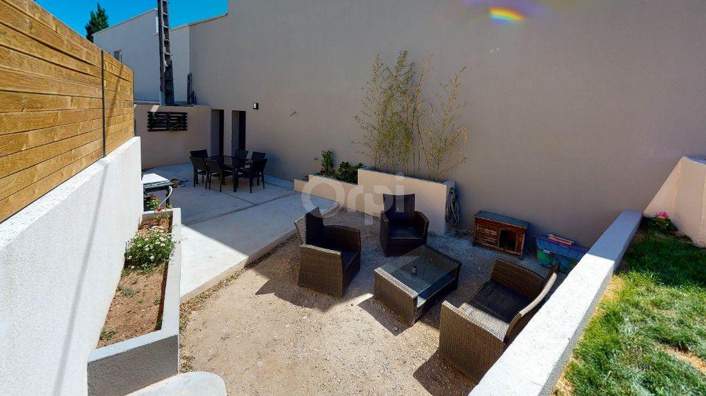 Maison à vendre 5 215m2 à Montélimar vignette-5