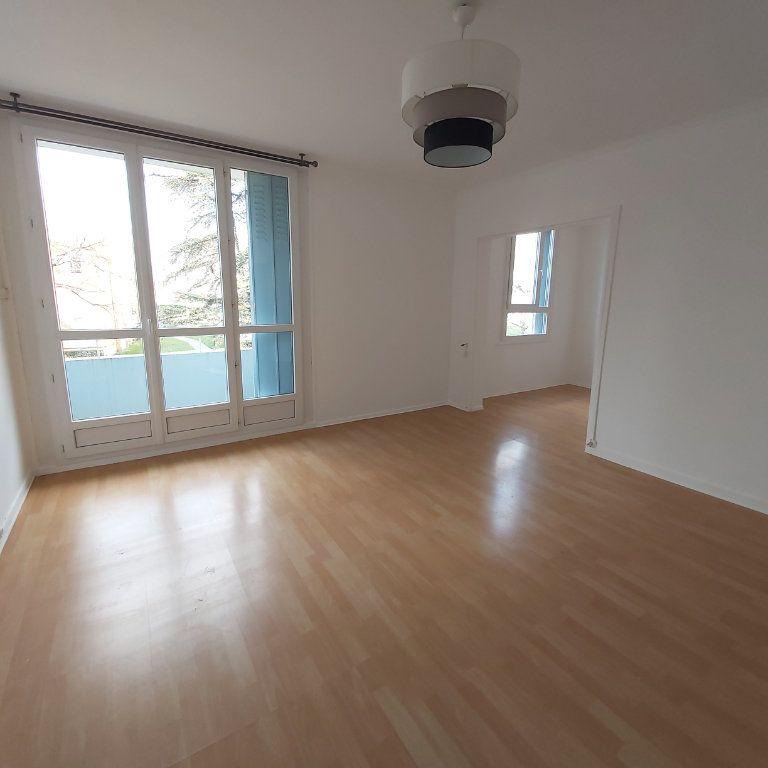 Appartement à louer 3 66m2 à Montélimar vignette-1