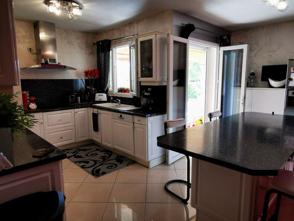 Maison à vendre 7 170m2 à Montélimar vignette-4