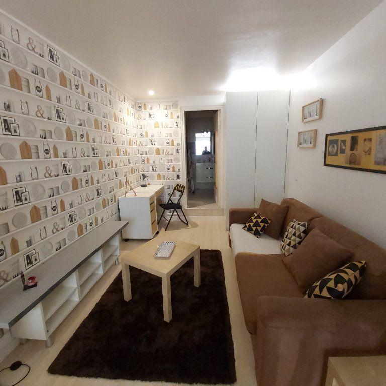 Appartement à louer 1 25.71m2 à Montélimar vignette-2
