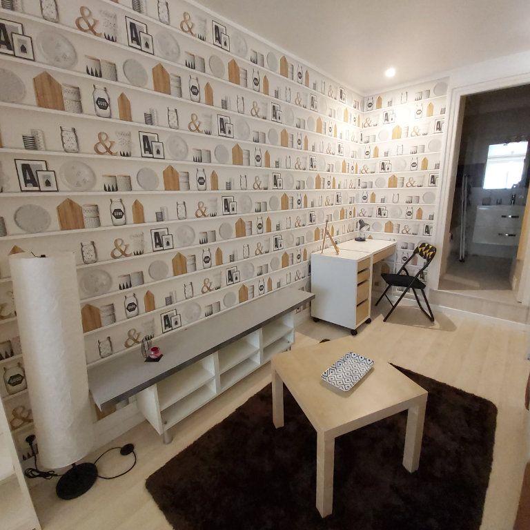 Appartement à louer 1 25.71m2 à Montélimar vignette-3