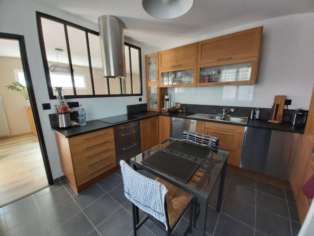 Maison à vendre 5 121m2 à Montélimar vignette-5