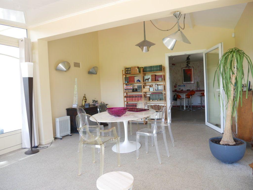Maison à vendre 5 156m2 à Montélimar vignette-3
