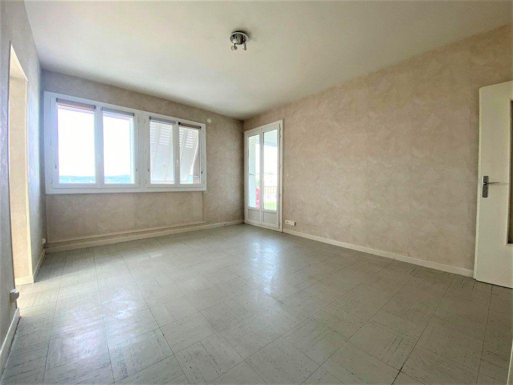 Appartement à vendre 3 62.59m2 à Montélimar vignette-3