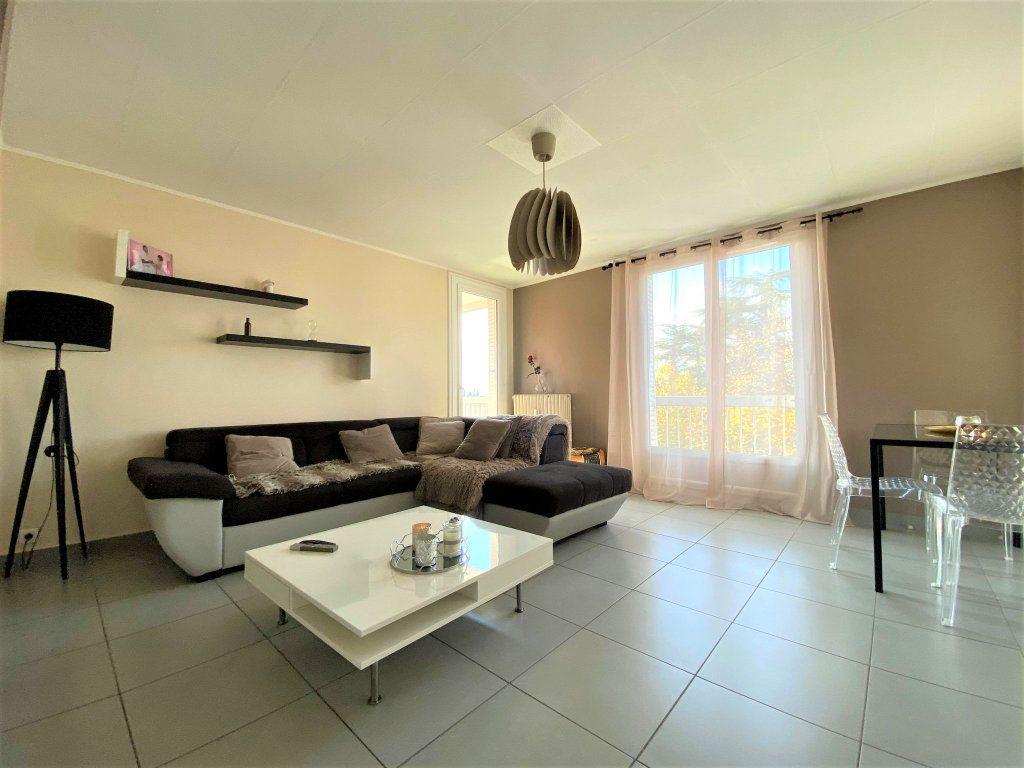Appartement à vendre 3 73m2 à Montélimar vignette-3