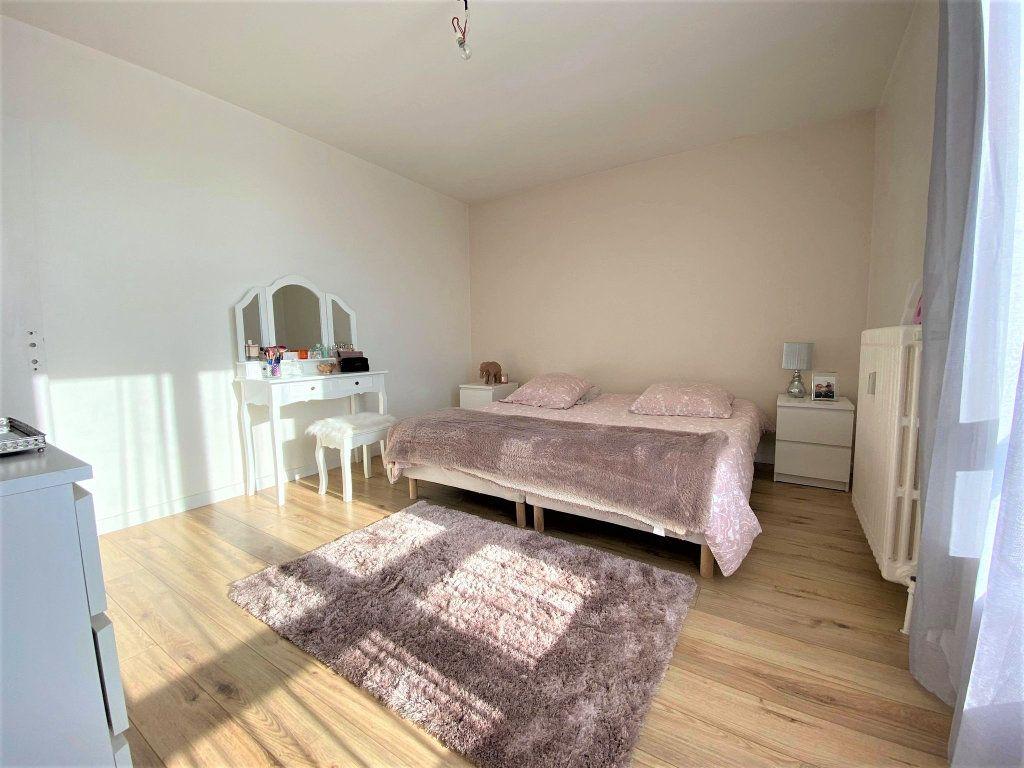 Appartement à vendre 3 73m2 à Montélimar vignette-5