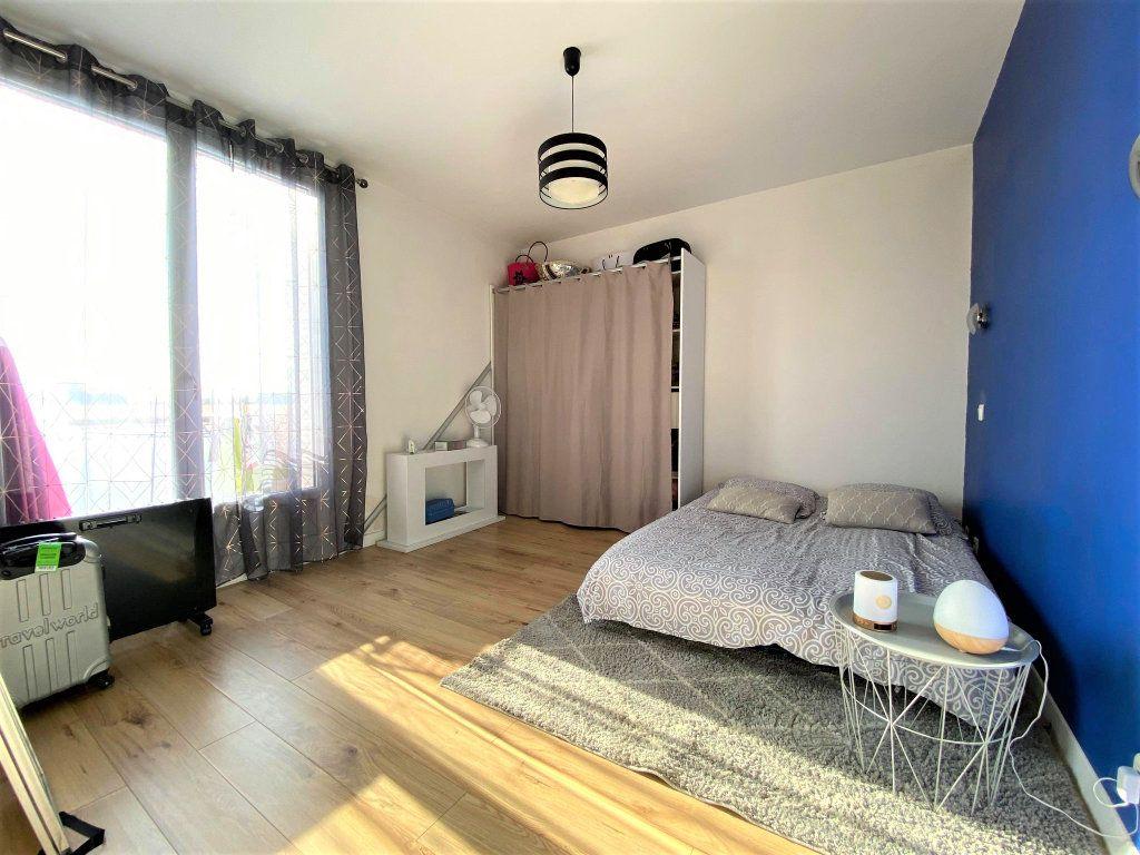 Appartement à vendre 3 73m2 à Montélimar vignette-6