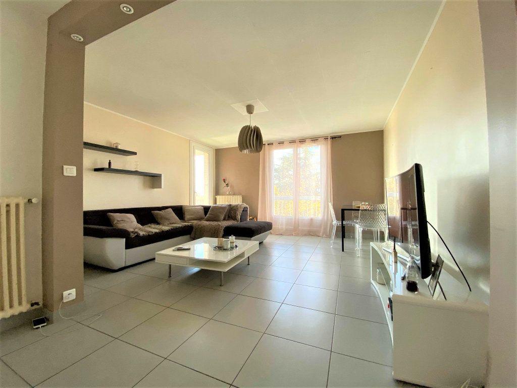 Appartement à vendre 3 73m2 à Montélimar vignette-7