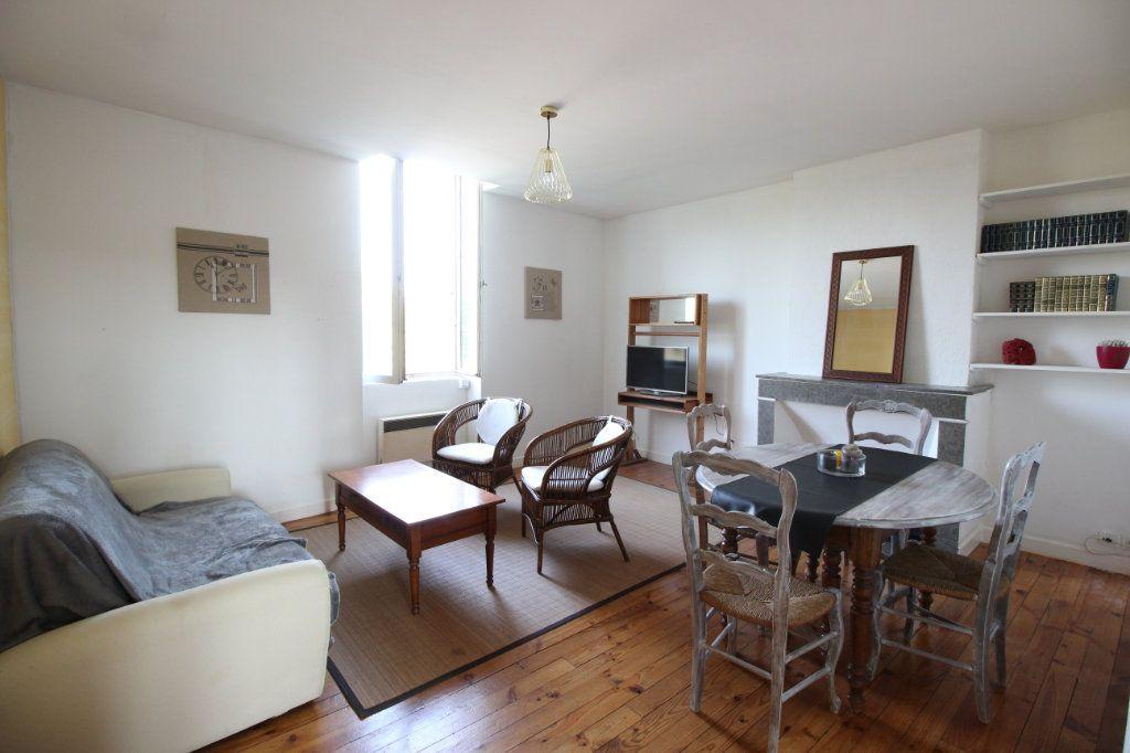 Appartement à vendre 3 67.84m2 à Montélimar vignette-1