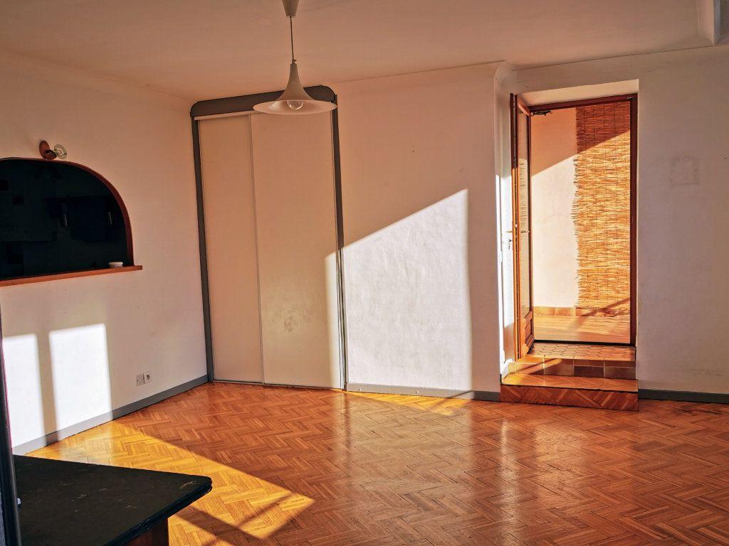 Appartement à vendre 2 71m2 à Montélimar vignette-1
