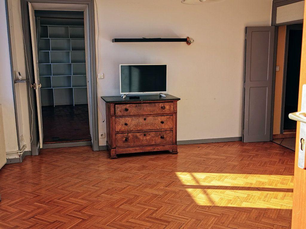 Appartement à vendre 2 71m2 à Montélimar vignette-2