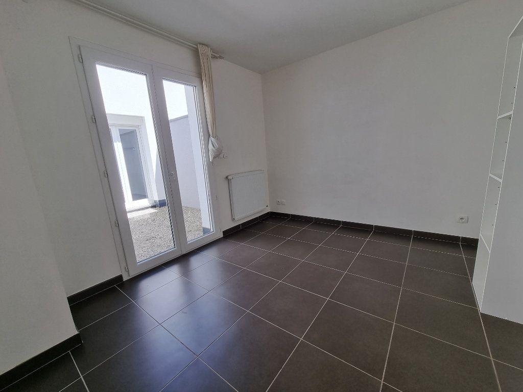 Maison à vendre 4 100m2 à Montélimar vignette-4