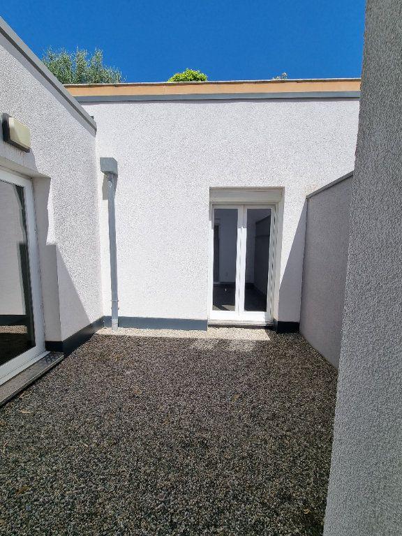 Maison à vendre 4 100m2 à Montélimar vignette-6