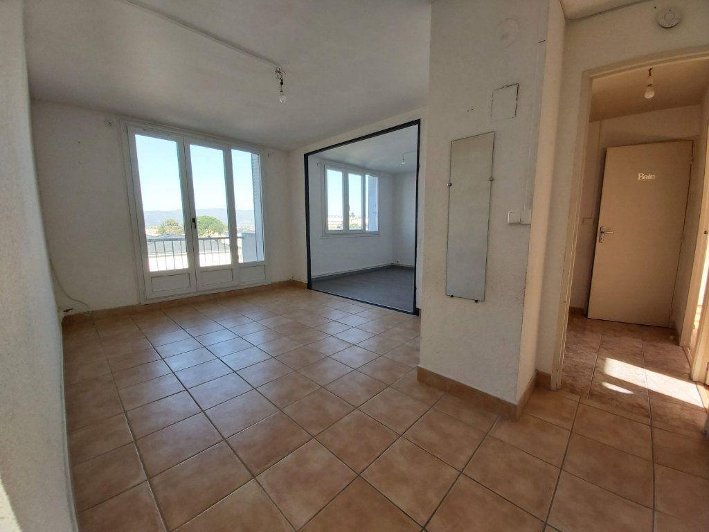 Appartement à vendre 3 63m2 à Montélimar vignette-1