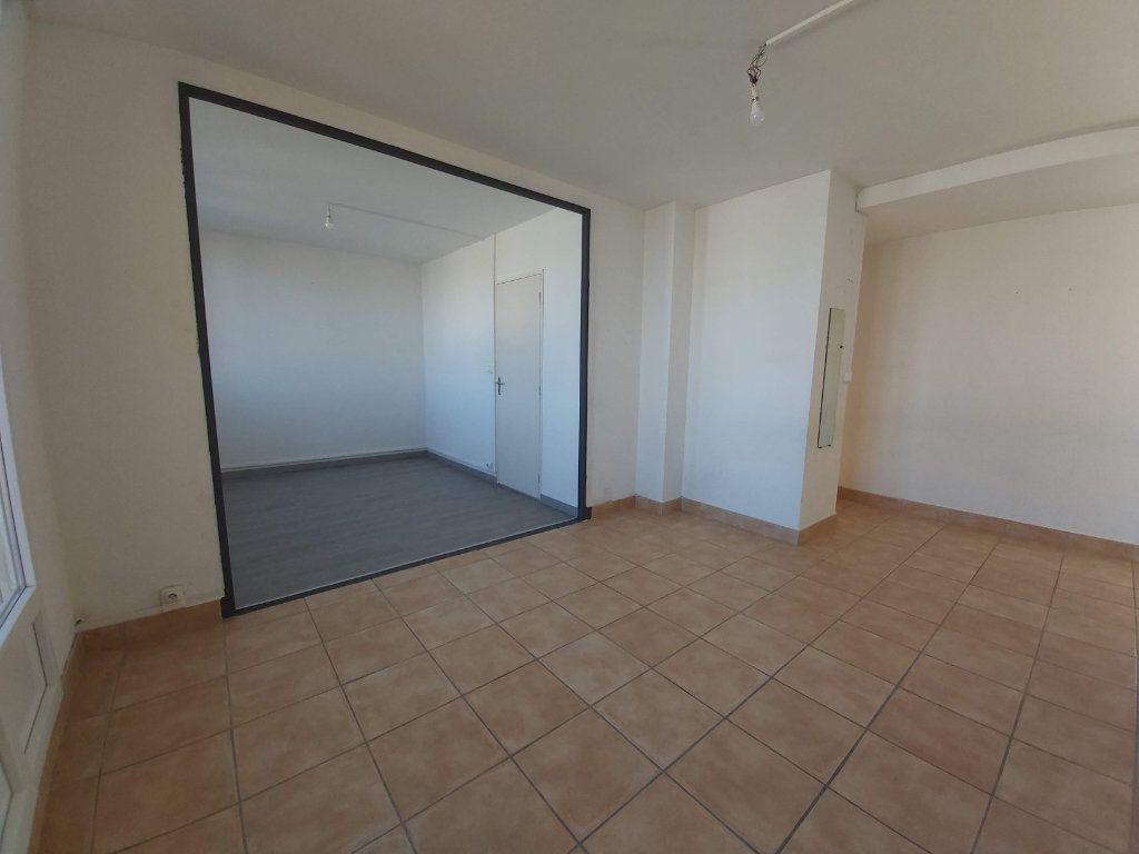 Appartement à vendre 3 63m2 à Montélimar vignette-6