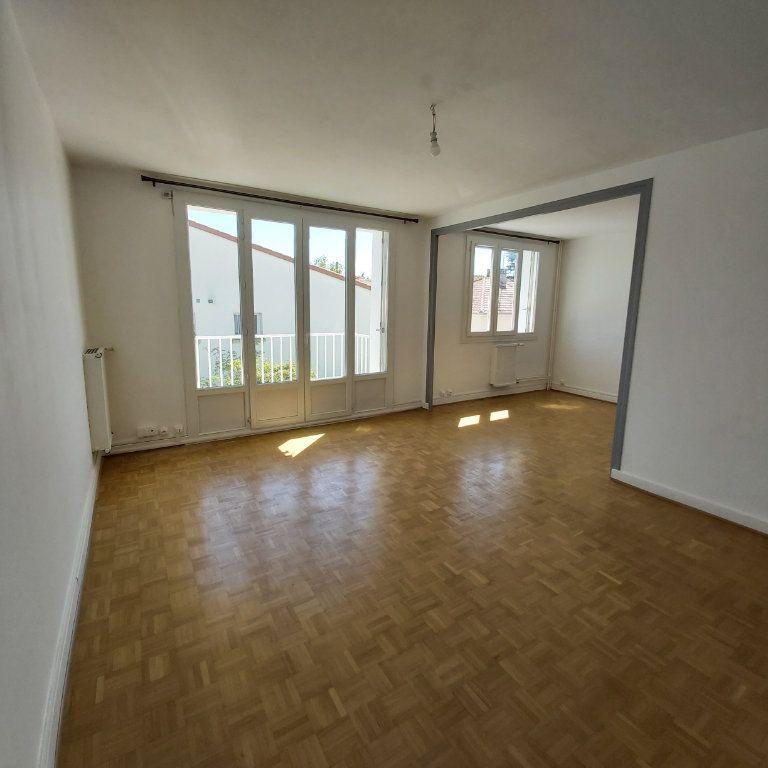Appartement à louer 4 72.11m2 à Montélimar vignette-4