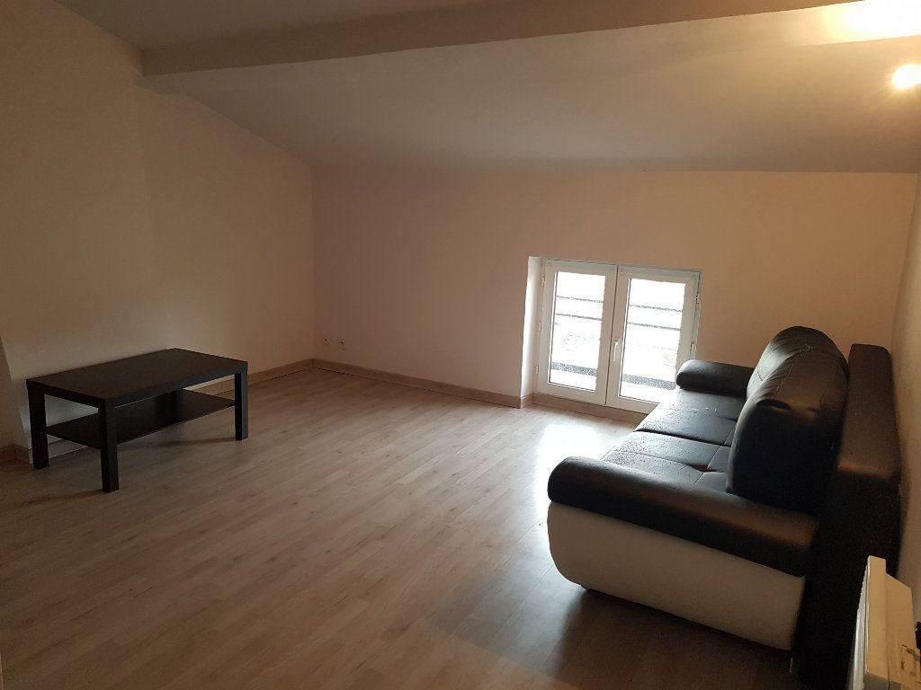 Appartement à louer 2 38m2 à Montélimar vignette-2