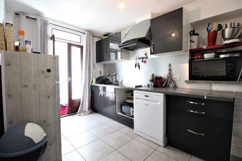 Maison à louer 3 75m2 à Viviers vignette-3