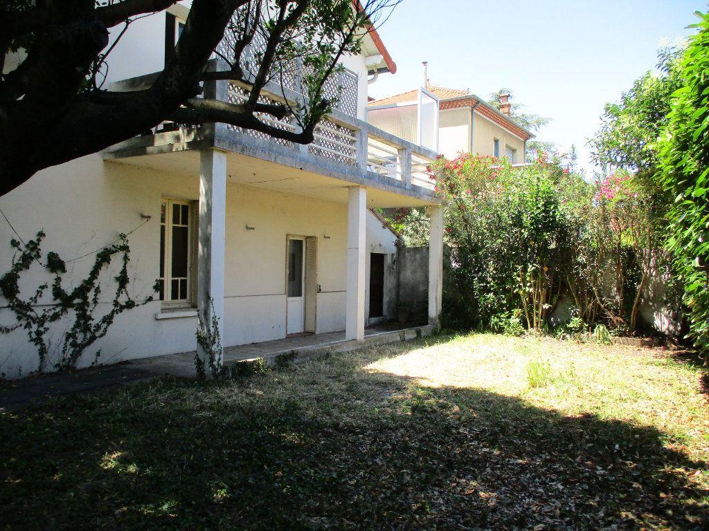 Maison à vendre 9 173.8m2 à Montélimar vignette-3