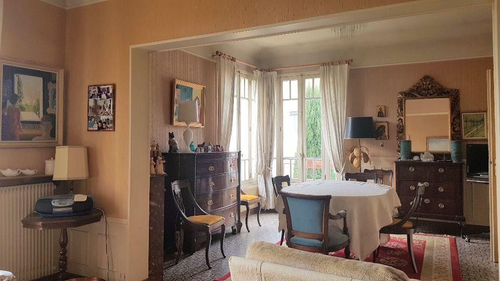 Maison à vendre 9 173.8m2 à Montélimar vignette-4